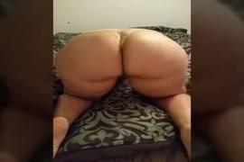 Sexy girl nangi chudai dog hd.